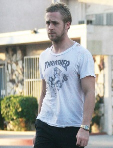 ryan-gosling-hole-in-shirt-021