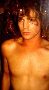 adam-lambert-shirtless