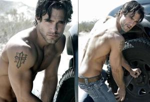 marco-dapper-shirtless